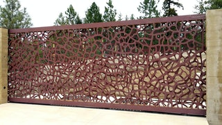 Commercial gate with unique design