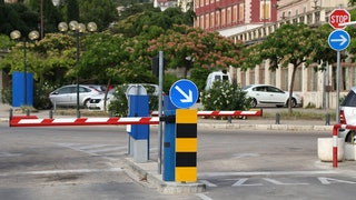 Parking Barrier Min
