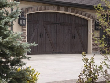 Martin Chalet residential door
