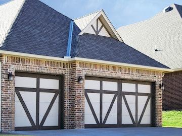 Carriage House 6600 Bellview garage door