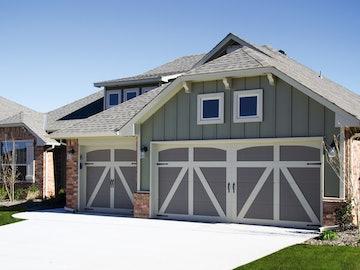 Carriage House 6600 Springfield garage door