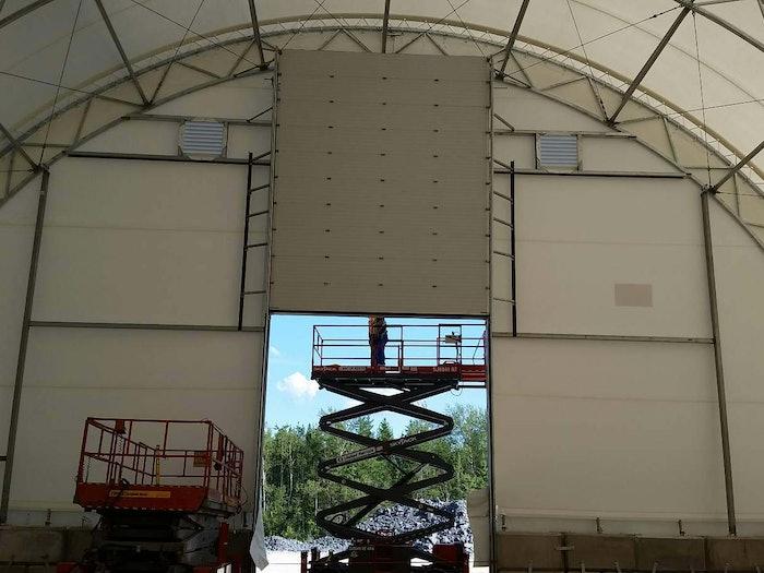 伯尼湖高架门创意门服务188金宝慱官网是什么