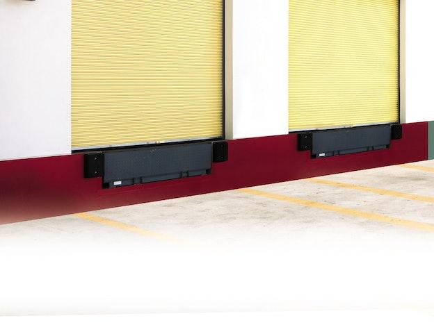 Rolling Service 900 commercial door