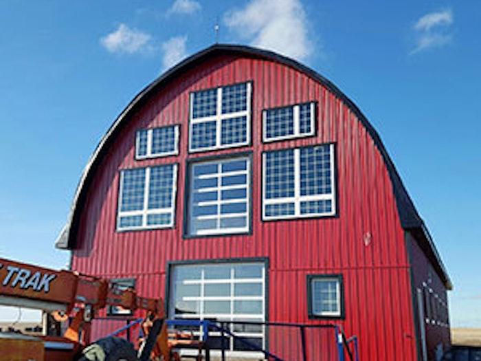 萨斯喀彻温省有窗户的红色谷仓188金宝慱官网是什么