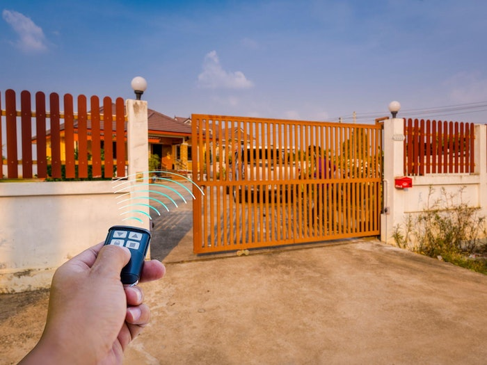 Hero Gate Signal Remote Outdoors Min